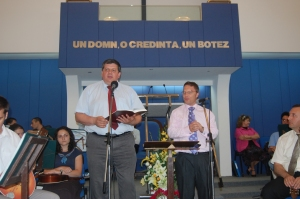 Revd Dr Oti Bunaciou (left) translating as I preach